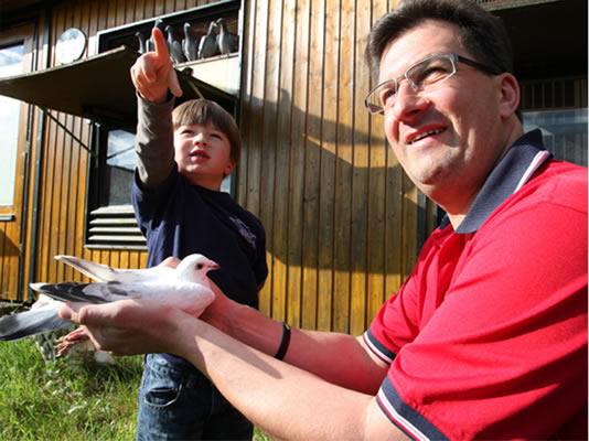 Thorsten und Finn Leon Daum, Taubenzüchter aus Otzberg